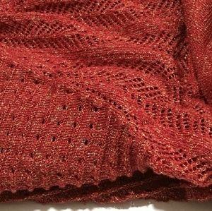 6fabf6b5688985 Cathy Daniels Tops - 💥 NWOT Cathy Daniels, Crochet Metallic & Cowl